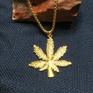 18 kt Gold Plated Men's Necklace Themed